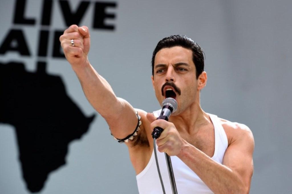 Rami Malek fa rivivere Freddie Mercury: il trailer è pazzesco