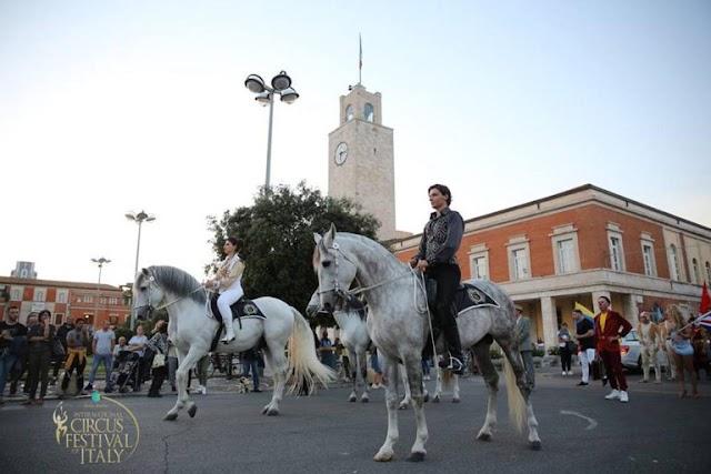 """""""Tutti i circhi italiani al Festival di Latina per la più grande parata del mondo"""""""