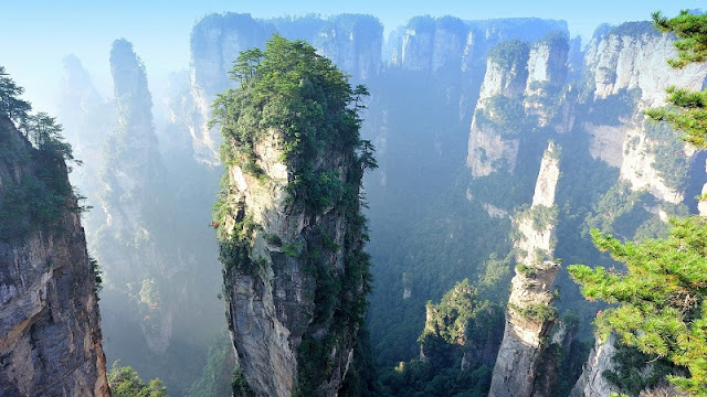 Top 20 most beautiful places in the world have 2 names from Vietnam 1