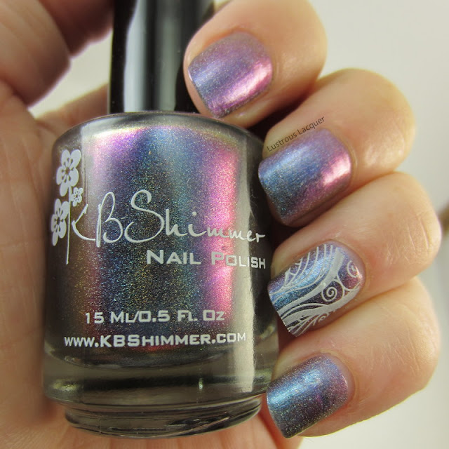 multi-chrome-linear-holographic-nail-polish-with-stamping