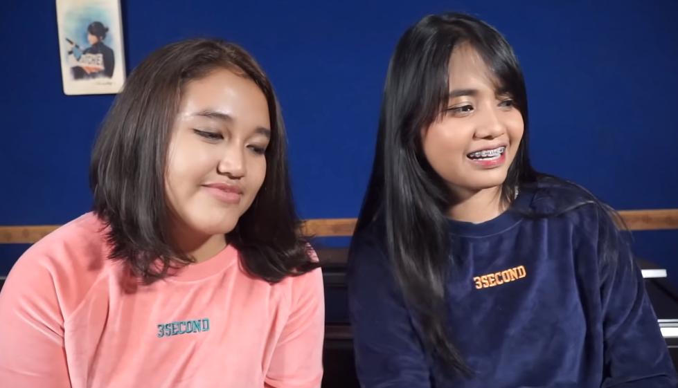 Video + Lirik Lagu Menunggu Kamu - Anji (Cover) by Hanin Dhiya