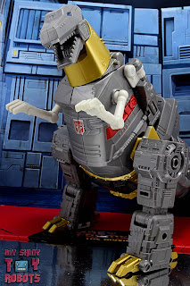 Transformers Studio Series 86 Grimlock & Autobot Wheelie 31