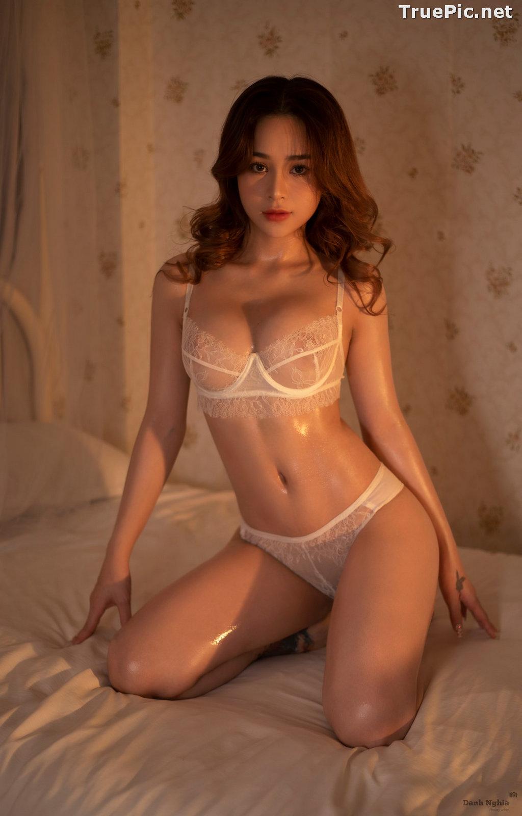 Image Vietnamese Sexy Model - Trinh Phuoc Hien - Concept Massage Oil - TruePic.net - Picture-1
