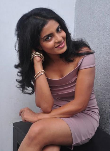 Actress Janavi Hot Stills In A Skirt Navel Queens
