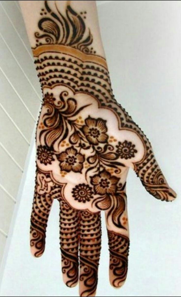 Mehndi design 2017 on palm - Just Get Their Name Written On The Little Finger And They Are Good To Go One Of The Best Latest Mehndi Design For Kids