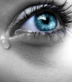 صور عيون زرق تبكي , صور عيون زرق تعيط
