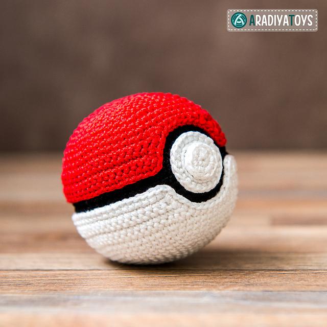 amigurumi-pokeball-sabrina´s-crochet