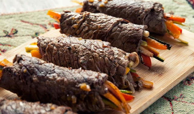 Balsamic Glazed Steak Rolls #lowcarb #appetizers