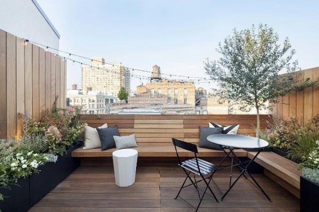 Desain Balkon Rumah Elit dan Mewah