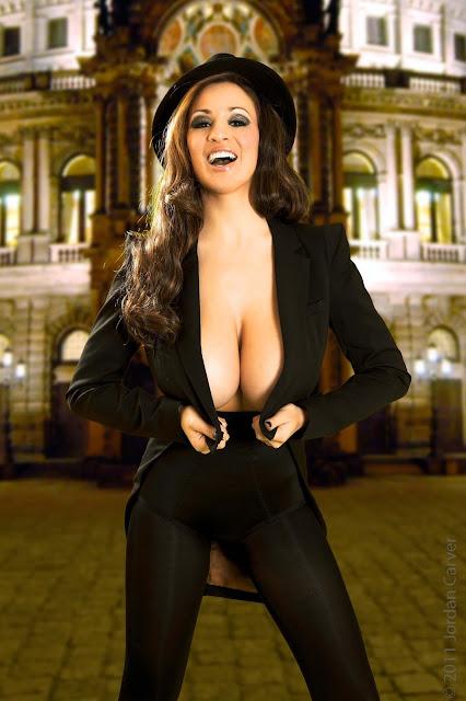 Jordan-Carver-Manege-sexy-photoshoot-hd-hot-image-10