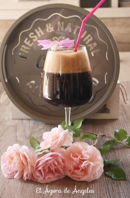Café helado con fruta