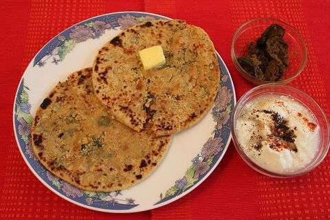 Cauliflower-paratha-indian-stayle