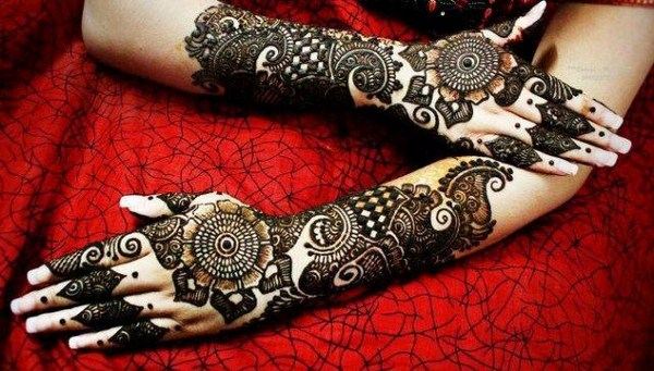 Beautiful Arabi Mehndi Designs