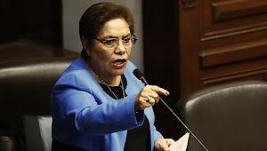Luz Salgado: Cerrar el Congreso como Maduro se llama dictadura