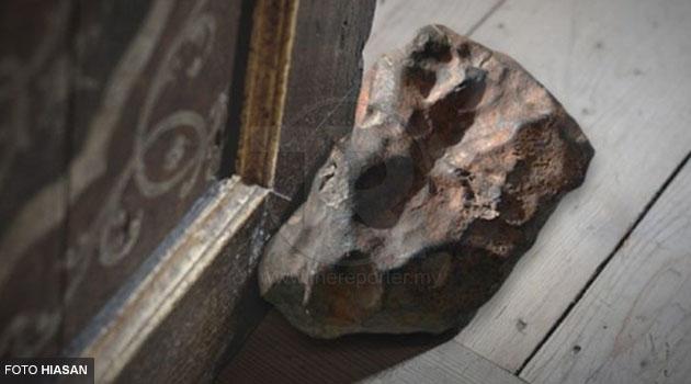 30 tahun gunakan batu sebagai penyendal pintu, rupanya batu tu bernilai RM410,000!