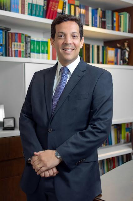 Paulo Câmara escolhe conselheiro federal da OAB para o TCE