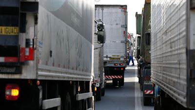 Após um mês, promessa do governo a caminhoneiros não sai do papel