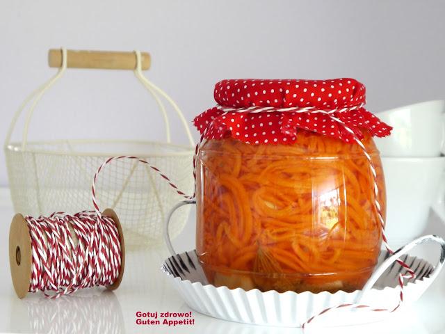 Kiszona marchewka i dwie surówki marchewkowe  - Czytaj więcej »