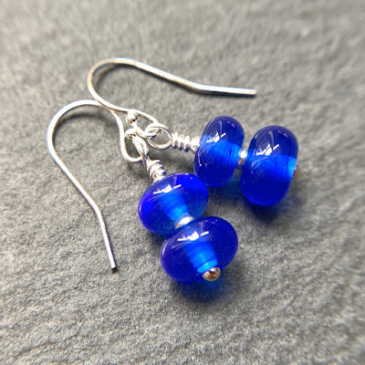 Handmade lampwork glass bead earrings by Laura Sparling made with CiM 2020.11.17 60203