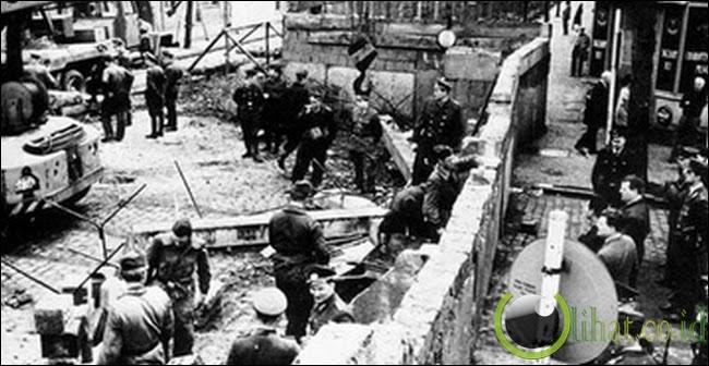 Pembangunan Tembok Berlin