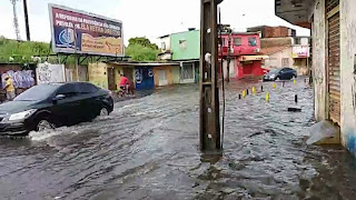 Chuva registrada em 48 horas é equivalente ao esperado para 21 dias, diz Defesa Civil do Recife