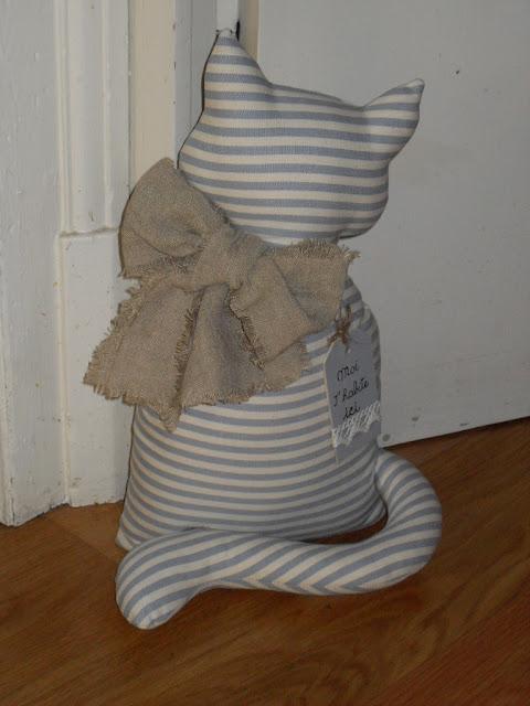 Cucito con il cuore fermaporta gattoso for Cucito creativo gatti