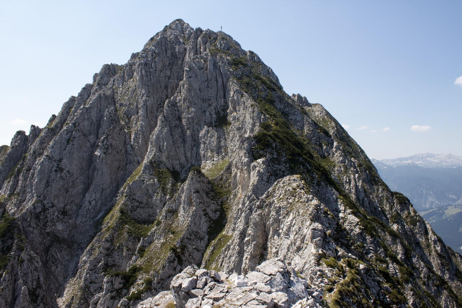 Von der Ardningeralmhütte über den Wildfrauensteig auf Frauenmauer, Bosruck und Kitzstein. - Blick von der Frauenmauer zum Bosruck