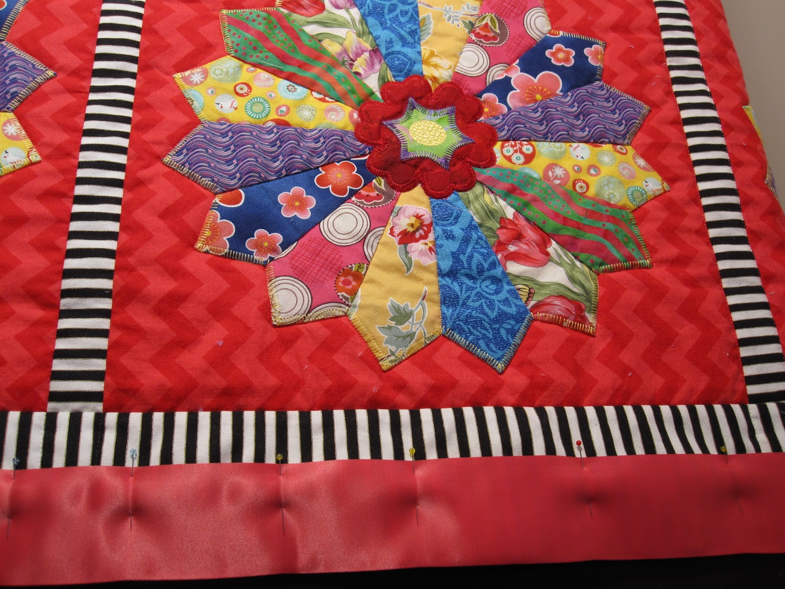 Cheeky Cognoscenti Finished Dresden Plate Minky Quilt