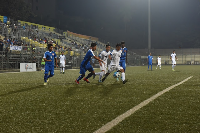 Ozone FC and Minerva Punjab FC battling out in the Nike Premier Cup, 2017 finals