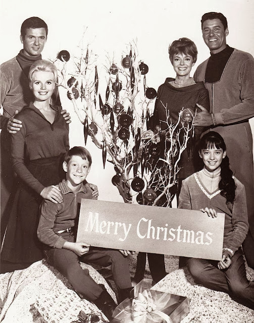 Lost in Space Christmas randommusings.filminspector.com