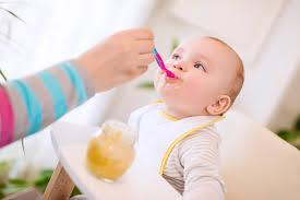 تغذية الطفل فى الشهر الحادى عشر