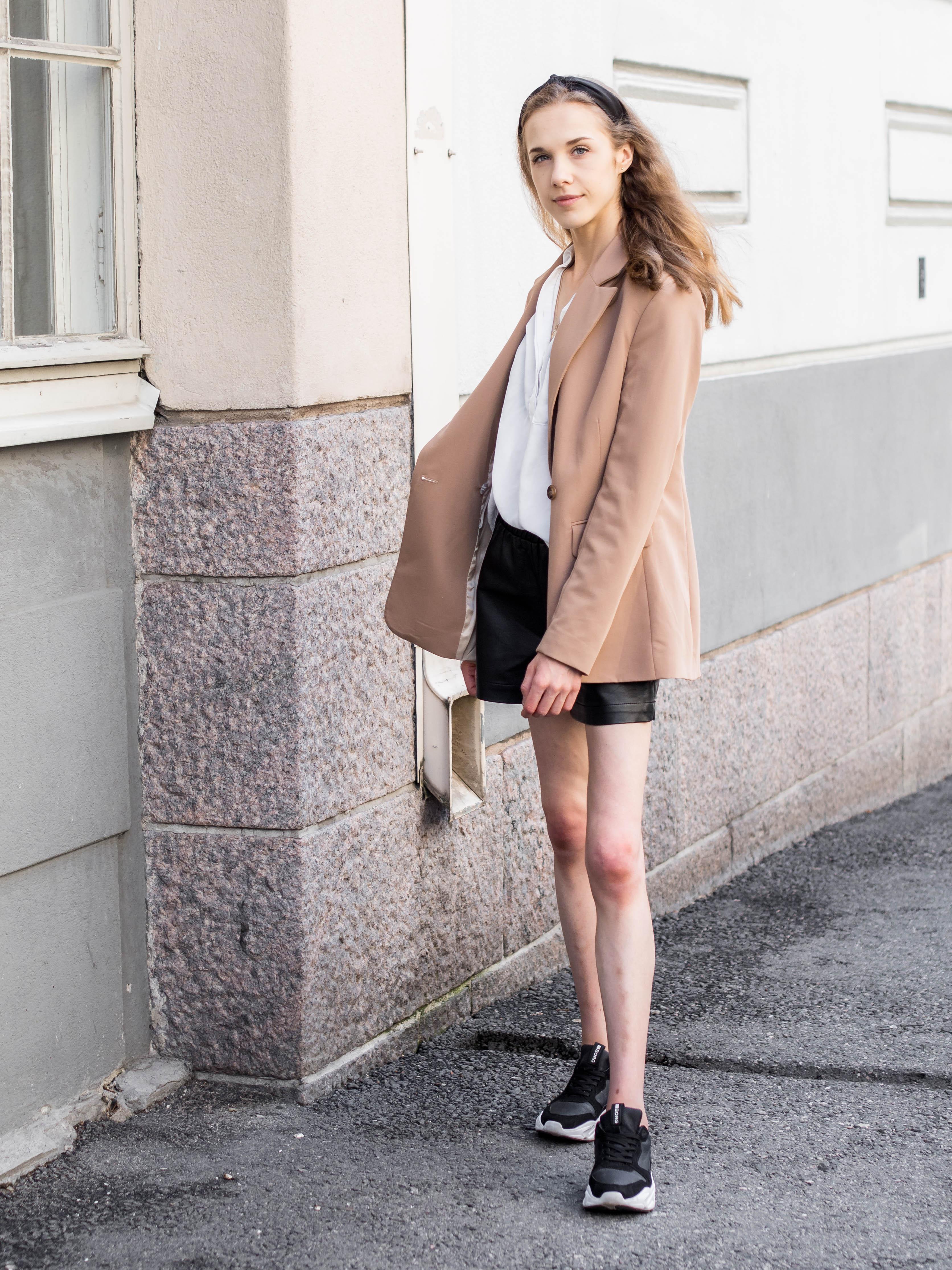 Scandinavian fashion blogger outfit, summer 2020 - Skandinaavinen tyyli, muotibloggaaja, kesämuoti 2020