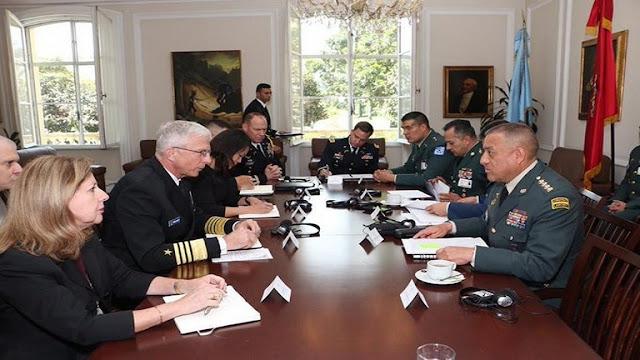 Jefe del Comando Sur está en Colombia con el tema de Venezuela en la mira