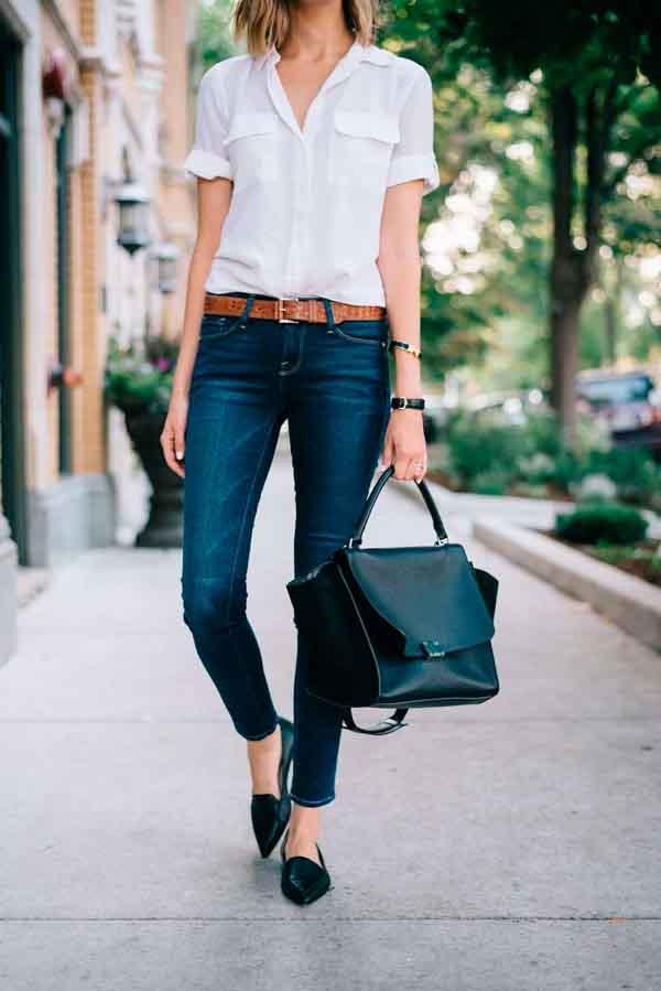 Sapatilha e calça jeans