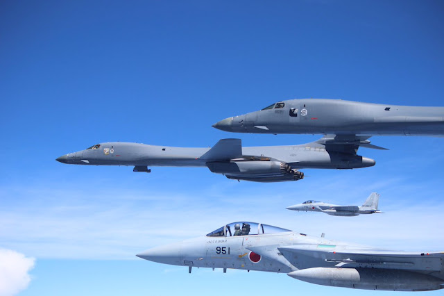 U.S. Forces Japan: - Page 2 JASDF%2BF-15s%2Bwith%2BUSAF%2BB-1s%2B1