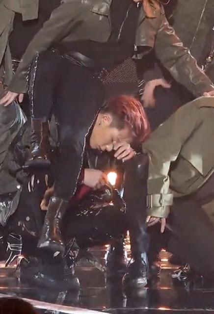 Bobby iKON Cedera Gara-Gara Koreografi 'Dive, Fans Protes