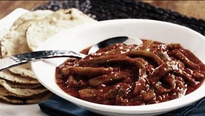 como-preparar-nopales-en-salsa-roja