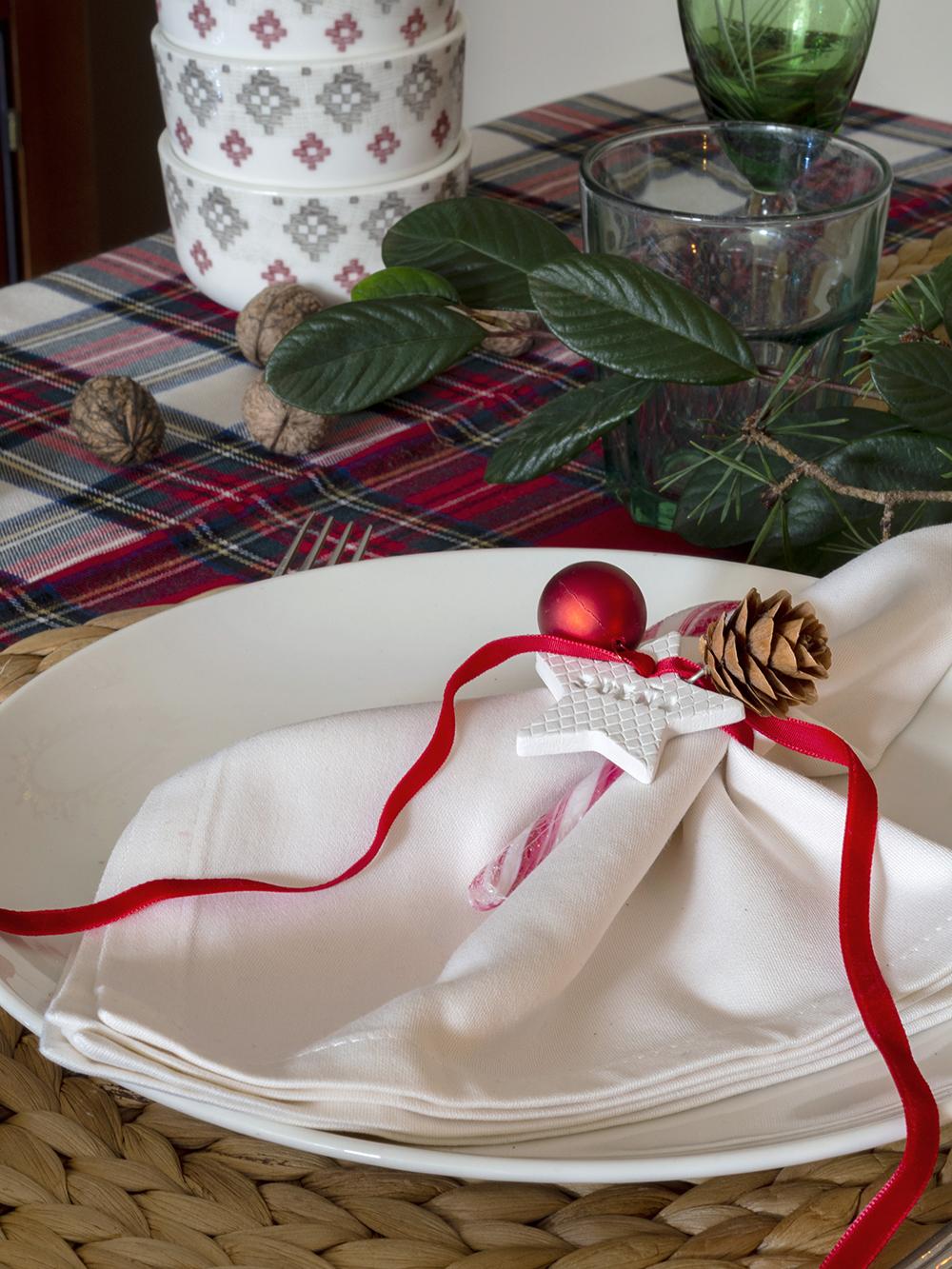 Nuestra mesa navideña en cuadros escoceses10