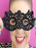 https://translate.googleusercontent.com/translate_c?depth=1&hl=es&rurl=translate.google.es&sl=en&sp=nmt4&tl=es&u=https://persialou.com/2015/10/crochet-masquerade-mask-free-pattern.html&usg=ALkJrhhQdwdIcRuWaR-AksNNqsWg9P7REg