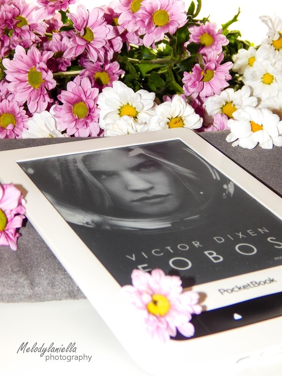 fobos czytnik ksiazka kawiaty melodylaniella wydawnictwo otwarte recenzja pocket book okladka