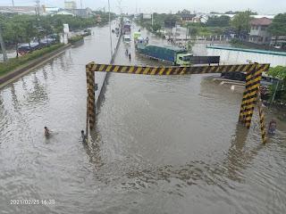 Kaligawe Genuk Situasi Banjir Semarang Terpantau Sore Semakin meningkat