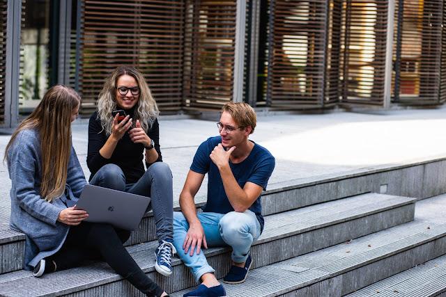 4 Pekerjaan Sampingan untuk Mahasiswa yang Sibuk