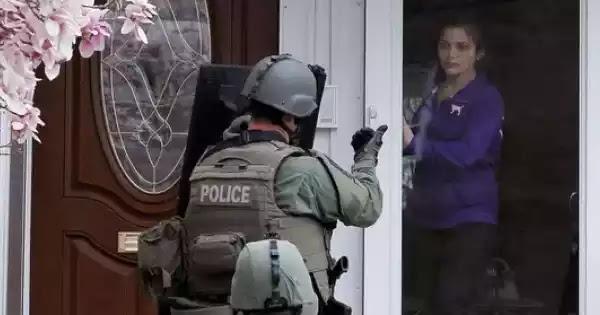 Πάτρα : συνέλαβαν γυναίκα γιατί διασκέδαζε με τους φίλους της στο σπίτι της!