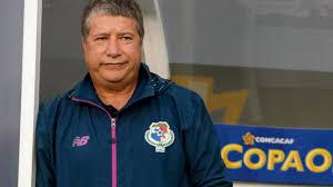 Bolillo Gómez se va de la selección de Ecuador