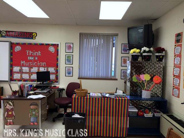 Music classroom set up and decorating ideas galore! Check out this article for ideas for decorations, bulletin boards, classroom organization, music class management, room set up strategies and more.  It is definitely more than just pictures of music classrooms and bulletin boards.  It is inspiration!