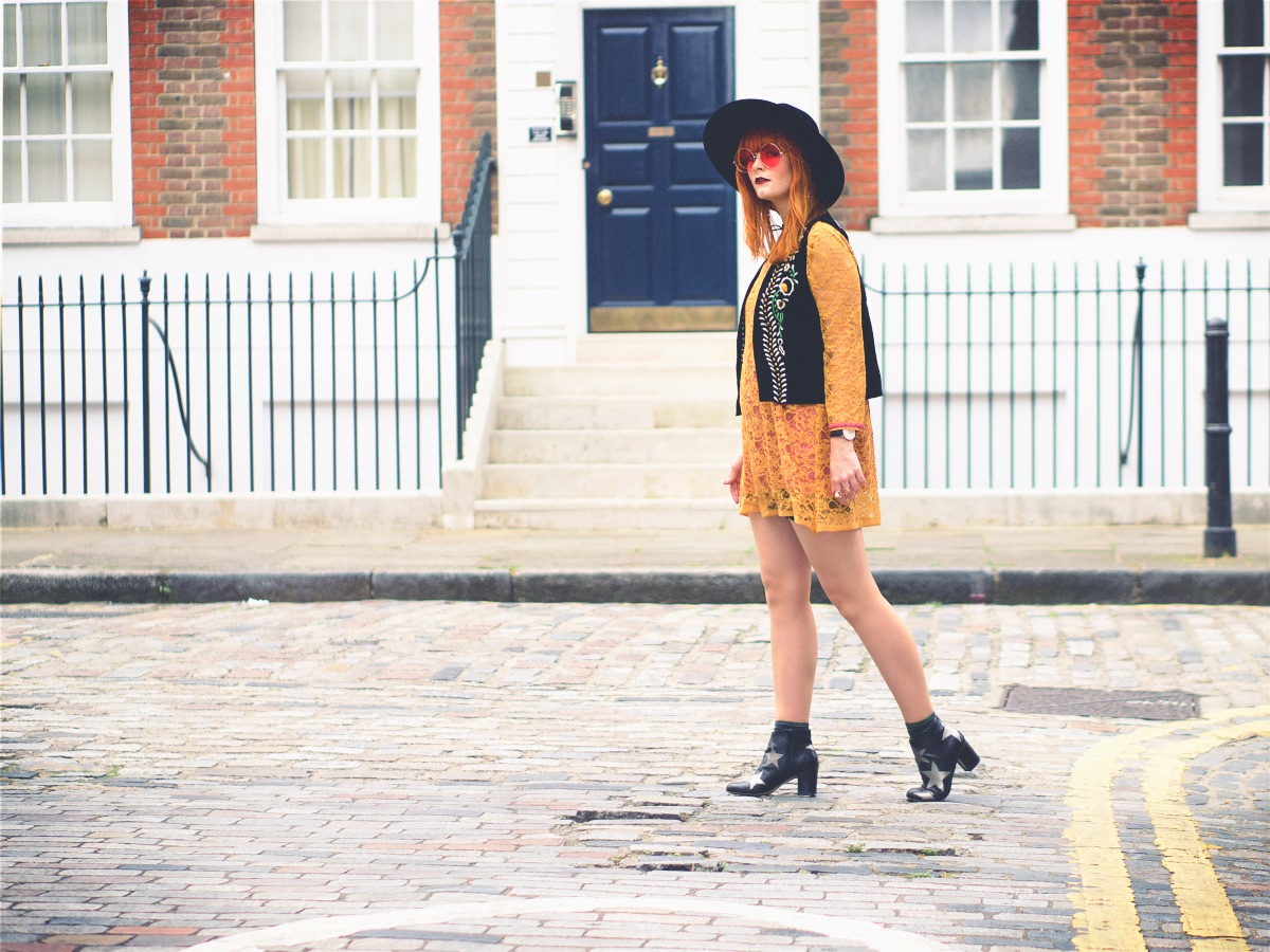Vintage 60s 70s Fashion Blogger Style