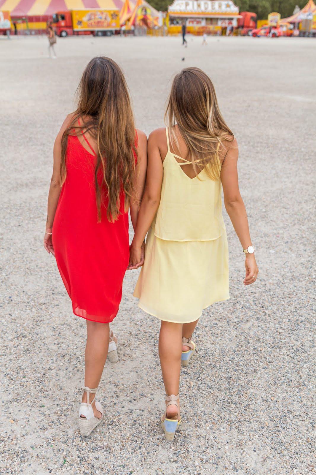 Robe rouge jaune