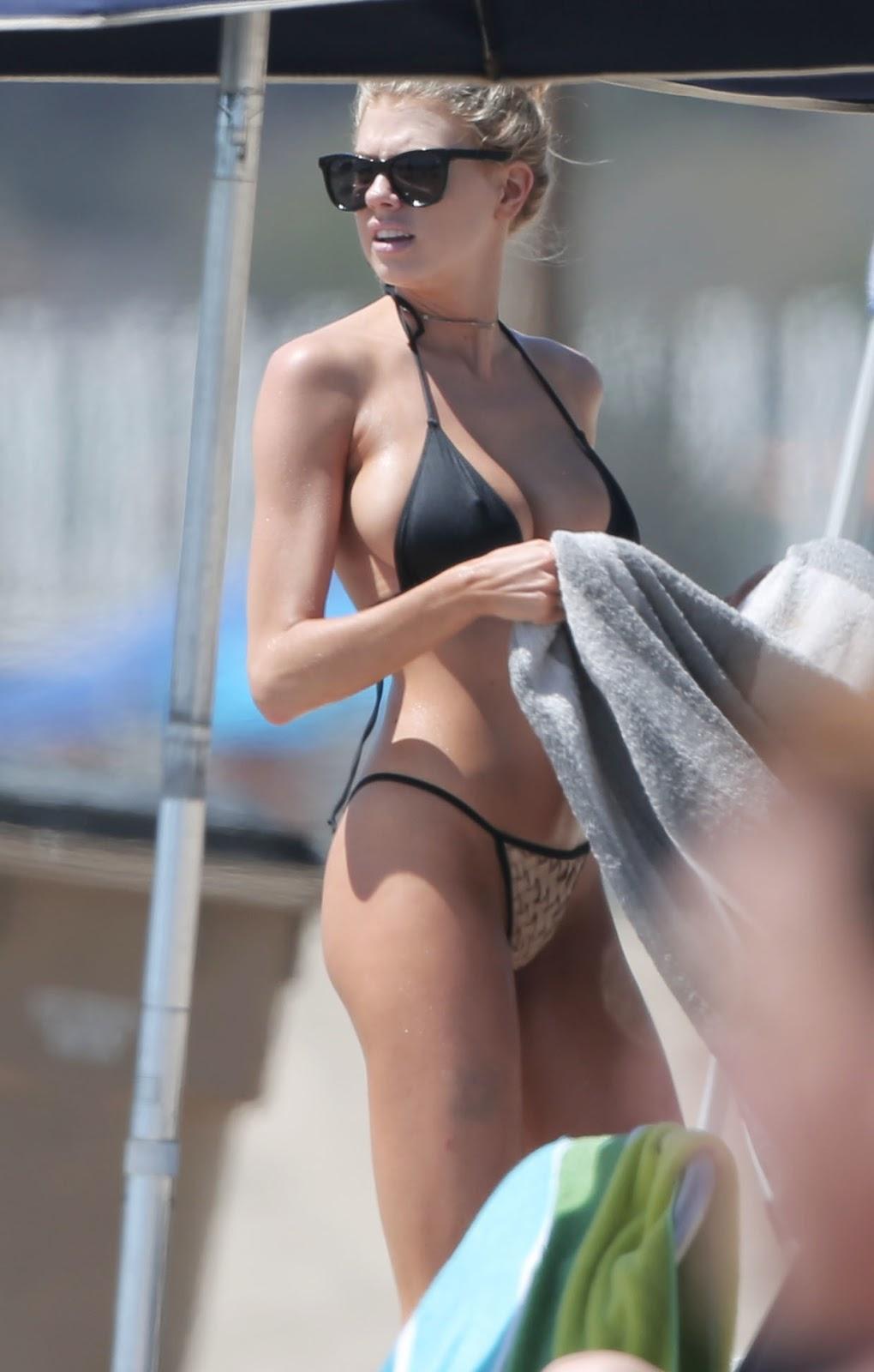 Bikini O Bikini: Charlotte McKinney In Bikini On The Beach