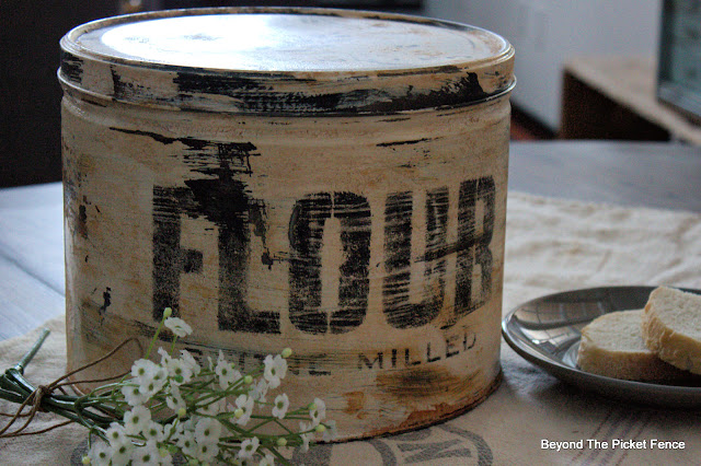 How to Create Rusty Farmhouse Tins