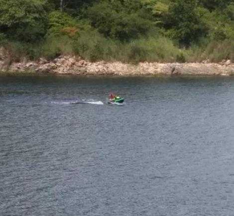 Bombeiros com apoio de Jet Skis resgatam banhistas no açude de Engenheiro Avidos em Boqueirão de Piranhas município de Cajazeiras PB